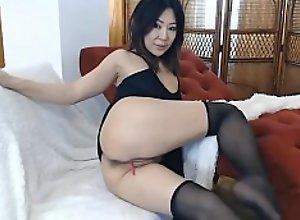 Asian bitch playing on cam - gangsta rap shit