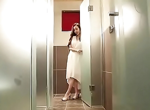 Korean model - Full video (33min) here: http://ceesty.com/wJyLHv
