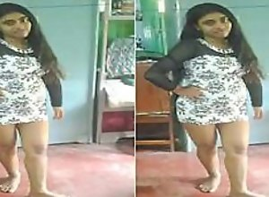 Today Exclusive- Cute Desi Girl Record Her Nude..