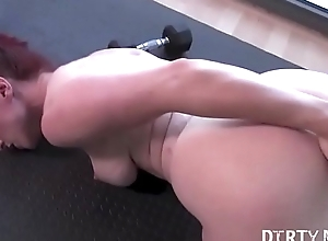 Naked Fit Yoga Bus Plays With regard to Her Asshole