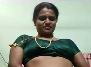 Tamil aunty saree change 2 times
