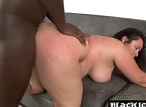 Horny BBW interracially spitroasted coupled approximately fed approximately spunk