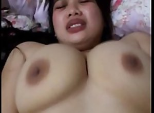 Toket gede mendesah Search porn and sex videos