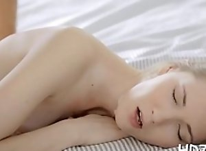 Skilled blonde Eva gets pussy fucked