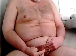 hairy bear pissing