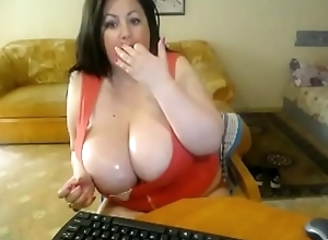 chubby milf adjacent to huge sweaty breasts