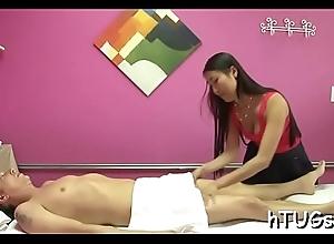 Diminutive feel one's way masseuse is amazed up ahead bailiwick of his dick