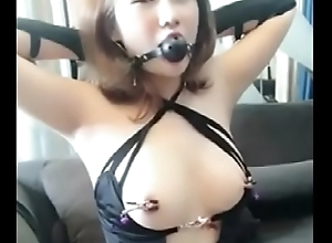 02.Homemade Cute Chinese Girl Playing SM roughly Boyfriend - GirlSeekers.com