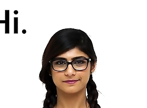 MIA KHALIFA - I Beseech You To Check Out A Closeup Of My Perfect Arab Body