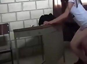 cogiendo en el salon de clases con mi Venezolana..