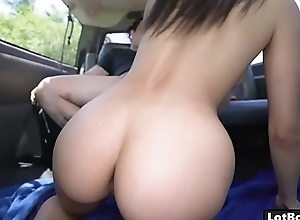 Big nuisance latina indulge gets fucked in car..