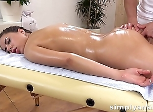 Anal Sex - Cute brunette Nikki Waine takes a creampie in her pain in the neck