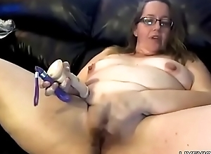 Filthy talking alluring plumper Sara