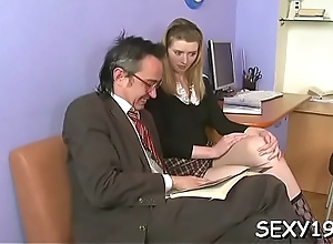 Young follower groupie is surrending her pussy..