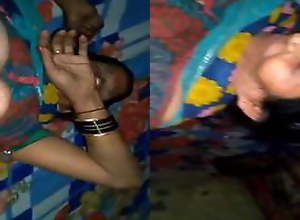 Today Exclusive- Desi Aunty Sex With Young Gu...
