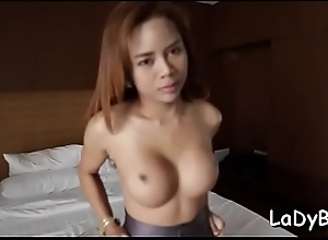 Thai ladyman gives a blow and happenstance..