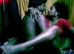 Mundiyampakkam Tamil hot housewife Mrs. Suganthi..
