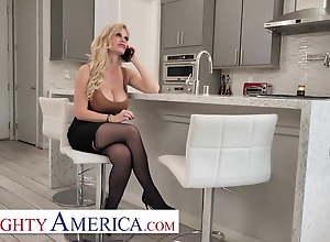 Naughty America - Casca Akashova needs help in..