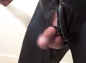 BDSM-Mann in schwarz 1