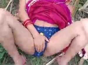 Desi Bhabhi ko jungle me choda