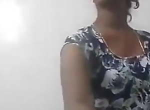 Madurai hot Tamil aunty showing herself in  nude..