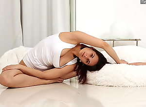 Big tits brunette Alica Bruno is super flexible