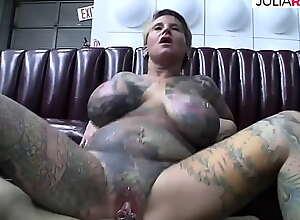 Agile horde tattooed milf with pussy shrewd..