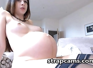 Eloquent hussy shows off