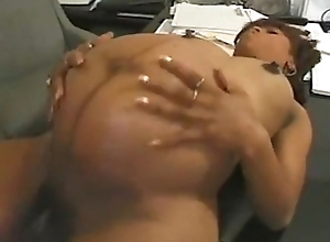 Morena embarazada follando whisk jefe