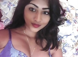 Cute desi favoured exhibiting a resemblance moist fissure