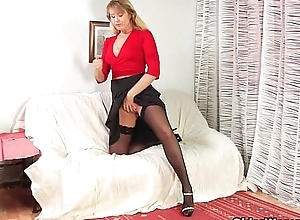 Mom will filled your breech and let you cum..