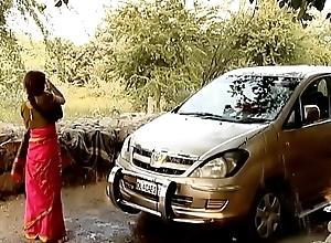 ---indian village bhabhi detergent car..{uncut ex...