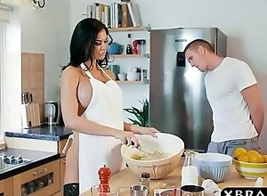 In the works milf jasmine jae bakes a harden..