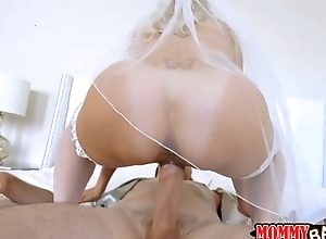 Stepmom to be brandi love 3some set-to wit...
