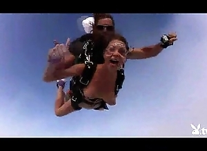Nude hawt cuties skydiving!