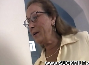 Horny cougar granny sucks juvenile guy
