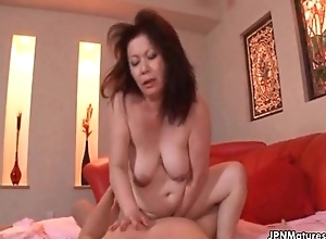 Thick elderly non-professional amateur hotwife can not live out be expeditious for getting