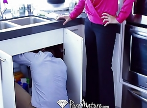 Hd - puremature julia ann teaches elaina raye to..