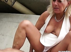 Hot blond old cougar receives bland with a..