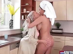 Shove around age-old lesbian babes love stab eating(anissa kate & kathy anderson) 01 clip-07