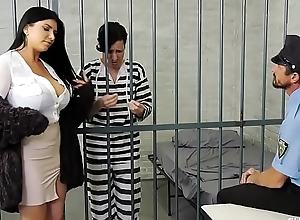 Romi rain has a pathetic shush who acquires..
