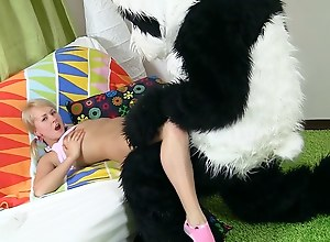 Pillow fight added to xxx intercourse play