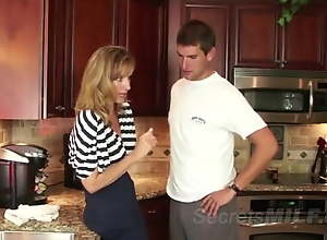 Amazing MILF Successfully Seduces Younger Guy