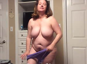 BBW mom respecting hairy pussy tries on huff and..