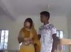 Desi College sweeping issue in class room