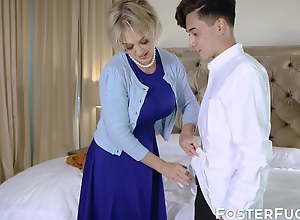 Mesmerizing Dee Williams adores fauxcest with..