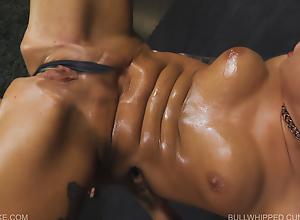Bullwhipped Cunt - Jessica - Queensnake porn..