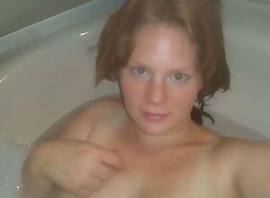 German BBW enjoys her Body in the Bathtub! Pussy..