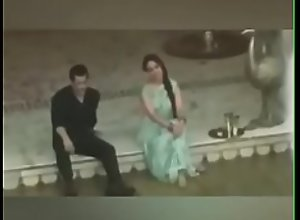 Salman Khan grabs sexy ass of Sonakshi sinha