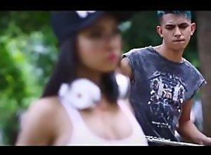 Video Musical Bum Bum Tan Tan Versión Porno